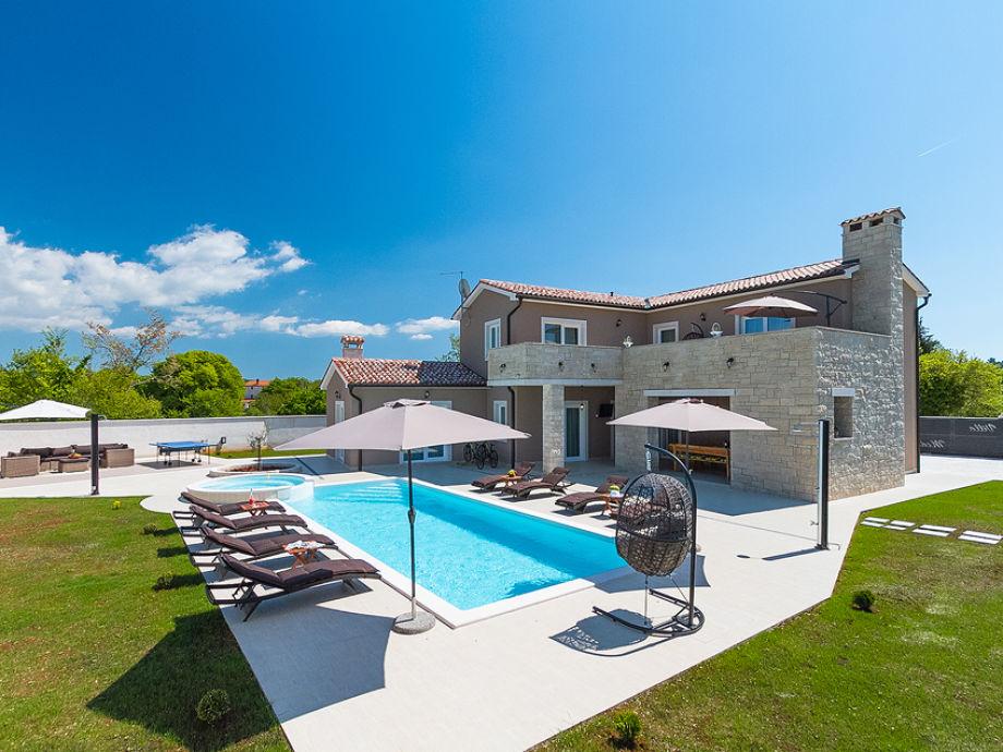 Außenaufnahme Villa Medaki