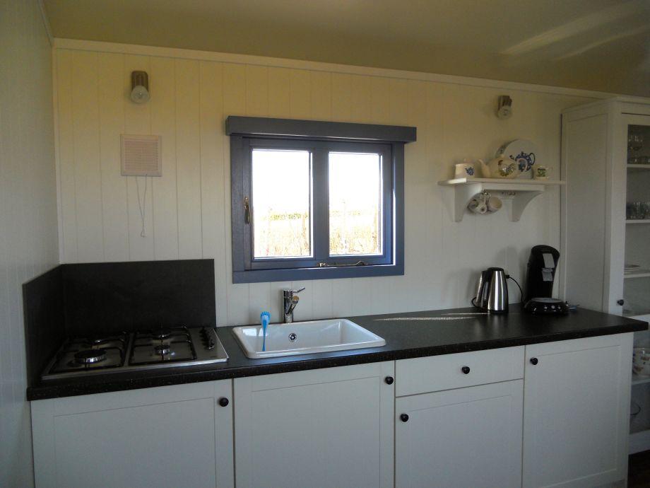 wohnwagen pipowagen niederlande zeeland firma. Black Bedroom Furniture Sets. Home Design Ideas