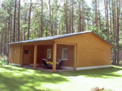 Ferienhaus im Wald am See 3