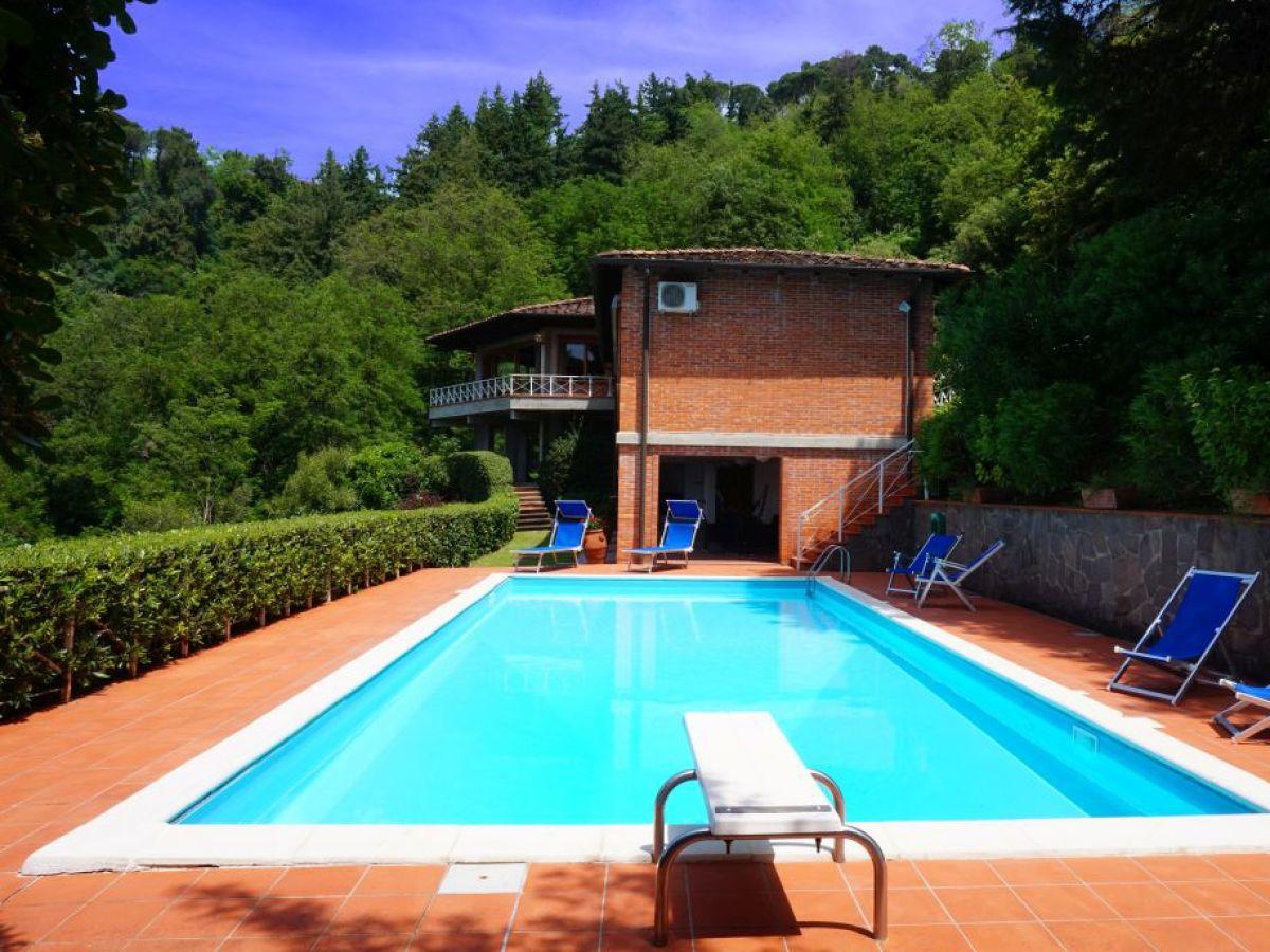 Ferienhaus mit meerblick und pool massarosa frau daniela fischer - Sprungbrett fur pool ...