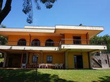 Ferienhaus mit Pool + Tennisplatz