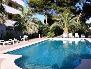 Ferienwohnung mit Pool und Meerblick nahe Cala Guya MP032