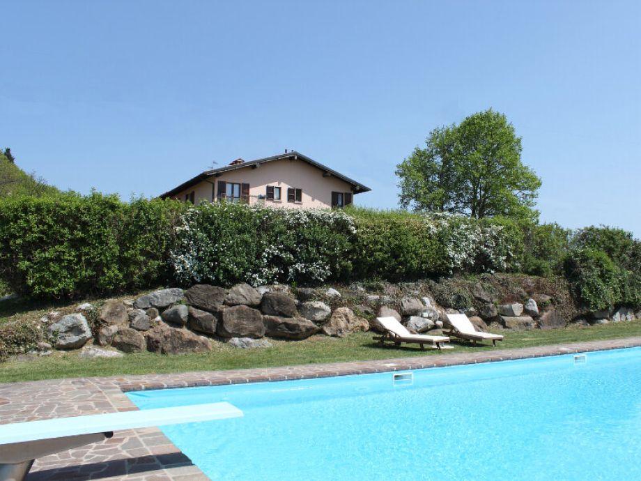 ferienhaus villa monte croce app 4 italien lombardei. Black Bedroom Furniture Sets. Home Design Ideas