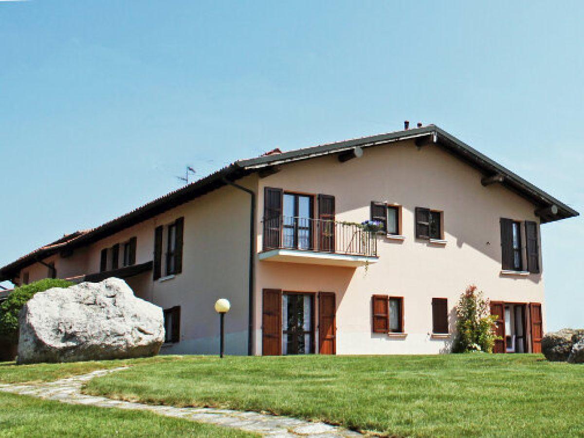 ferienhaus golf villa italien lombardei gardasee firma anita woithe ferienhausvermittlung. Black Bedroom Furniture Sets. Home Design Ideas