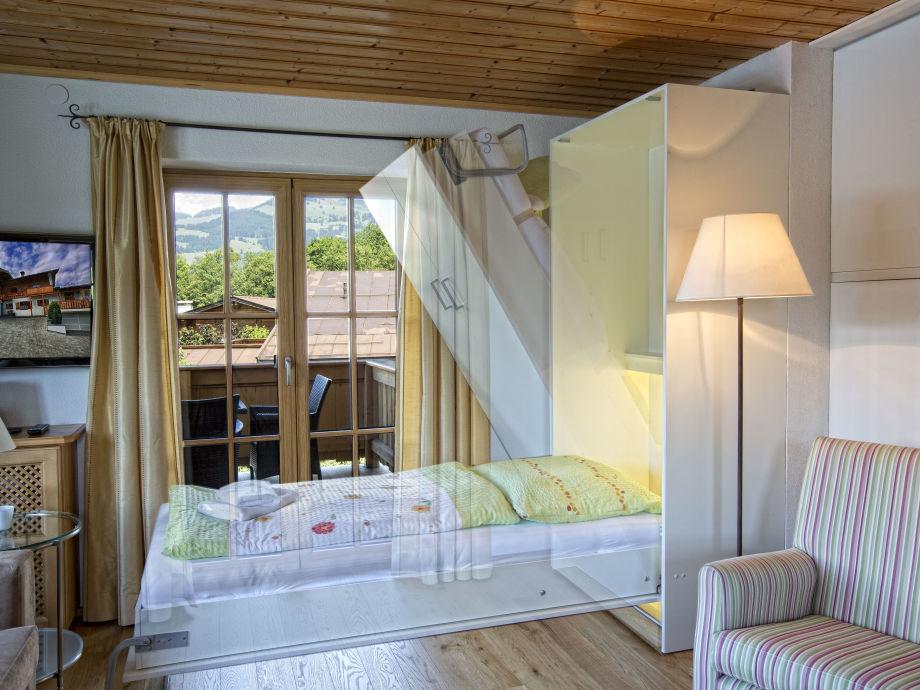 Bett Im Wohnzimmer : Bett im Wohnzimmer 90 x 200 cm