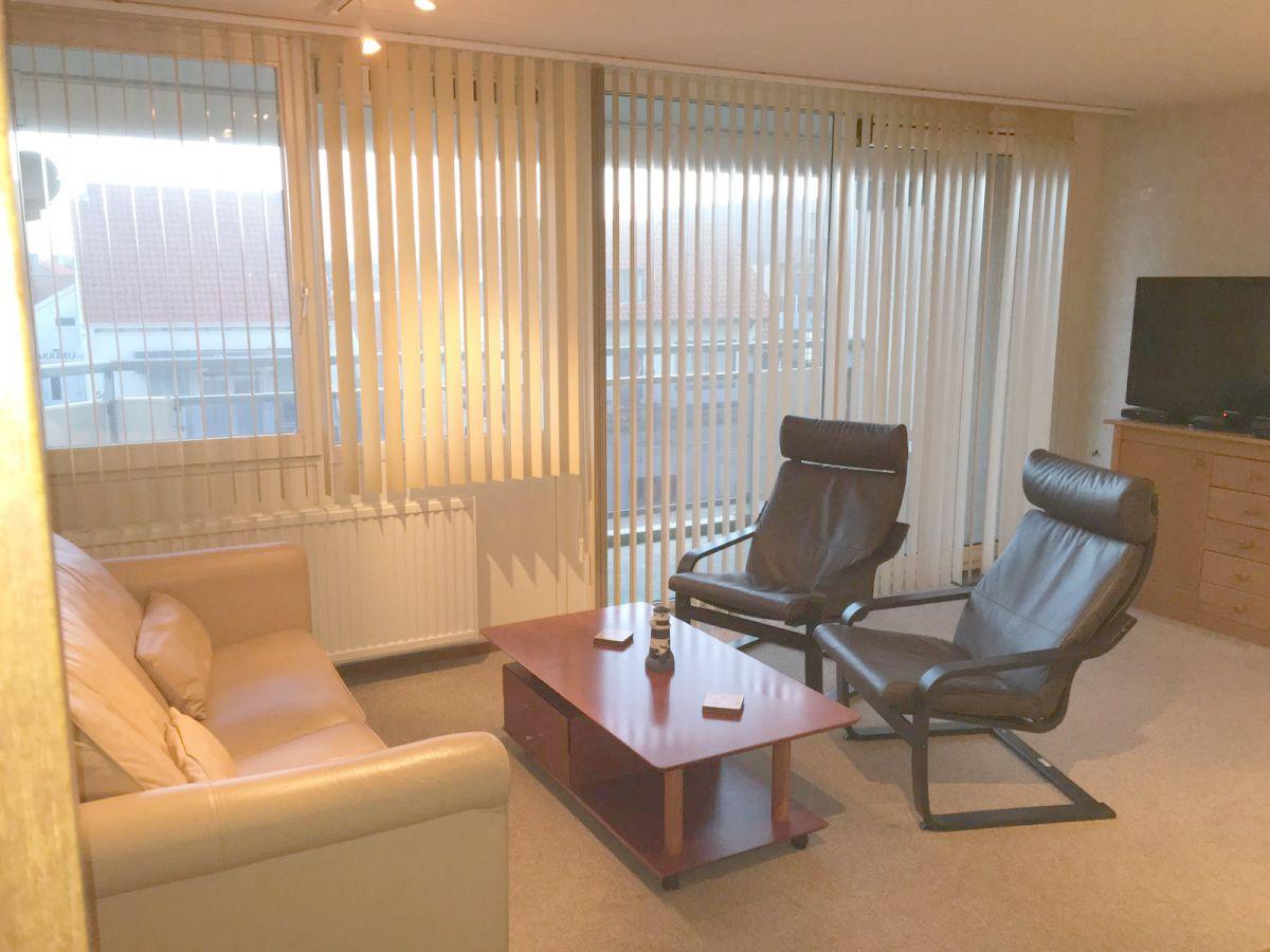 Wohnzimmer sitzecke for Sitzecke wohnzimmer
