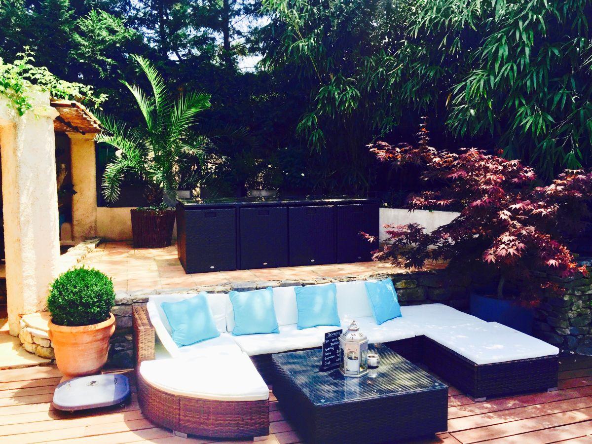 Ferienzimmer le mas d 39 olivier c te d 39 azur zwischen st - Salon de jardin aluminium sainte maxime ...