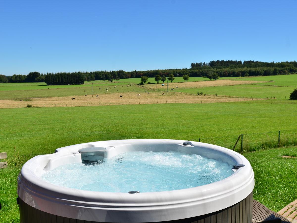 Ferienhaus roter schwede nordeifel monschau familie willi ria henken - Garten mit whirlpool ...
