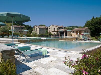 Bilo-Ferienwohnung mit Pool im Chiantigebiet