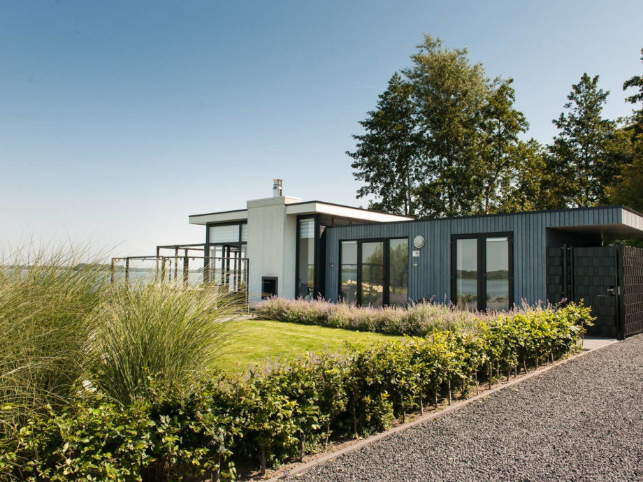 Design Chalet mit Privatstrand am Veluwemeer.