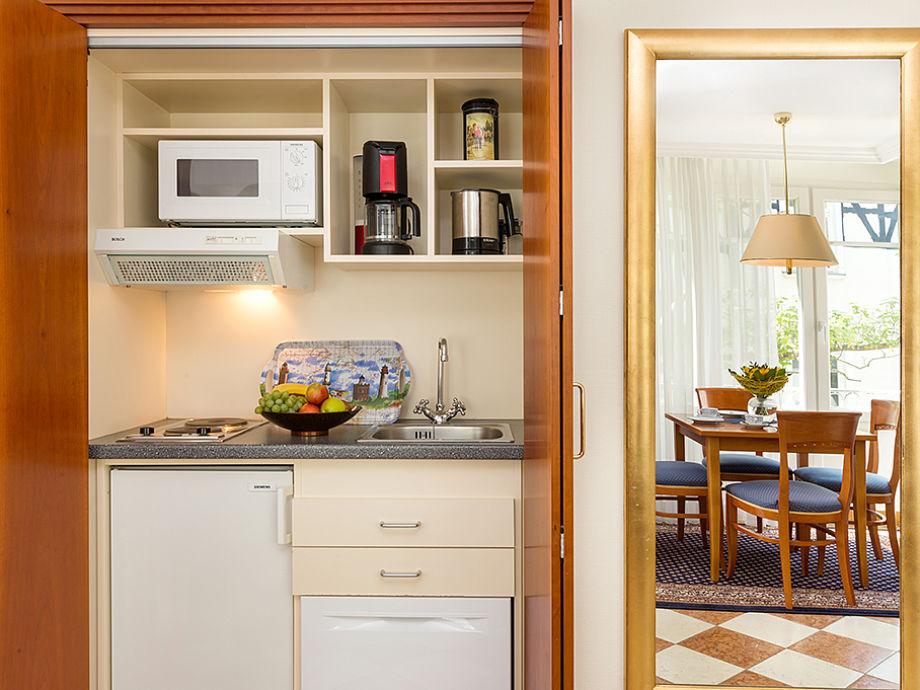 ferienwohnung 3 in der villa quisisana binz insel r gen. Black Bedroom Furniture Sets. Home Design Ideas