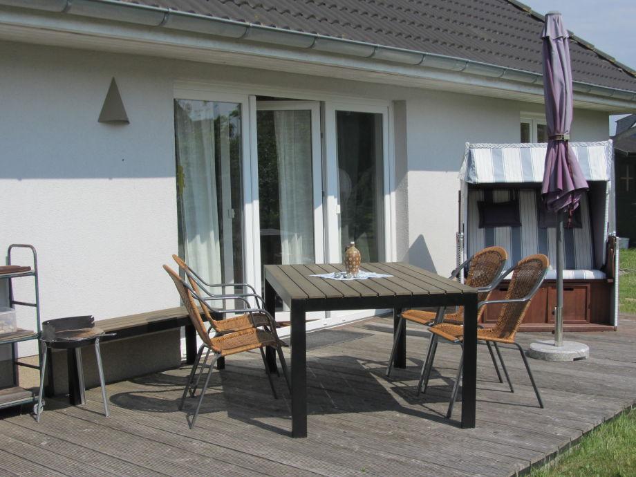 Terrasse Südseite im eigenen Garten