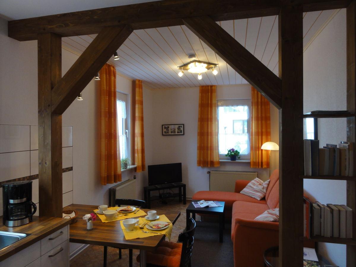 Ferienwohnung rosenhof lorch ransel rheingau taunus for Wohnzimmer mit esstisch