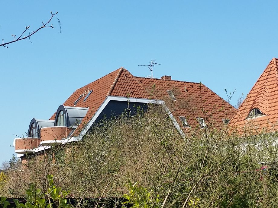 Seitenansicht Haus und Wohnung