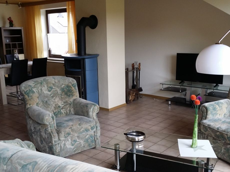 Ferienwohnung am frankenbach vordereifel herr rainer goerke - Fernseher wohnzimmer ...
