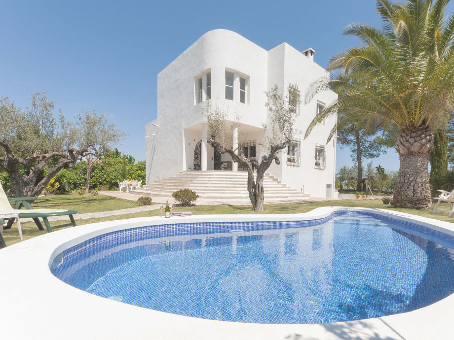 Exterior view of Holiday home Benicadell with Pool