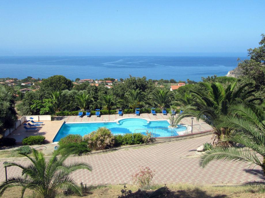 Holiday apartment centro vacanza le ville capo vaticano for Centro sportivo le piscine guastalla