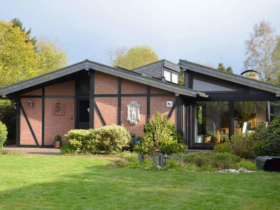 Ferienhaus Auenland, Gartenblick vom Essplatz