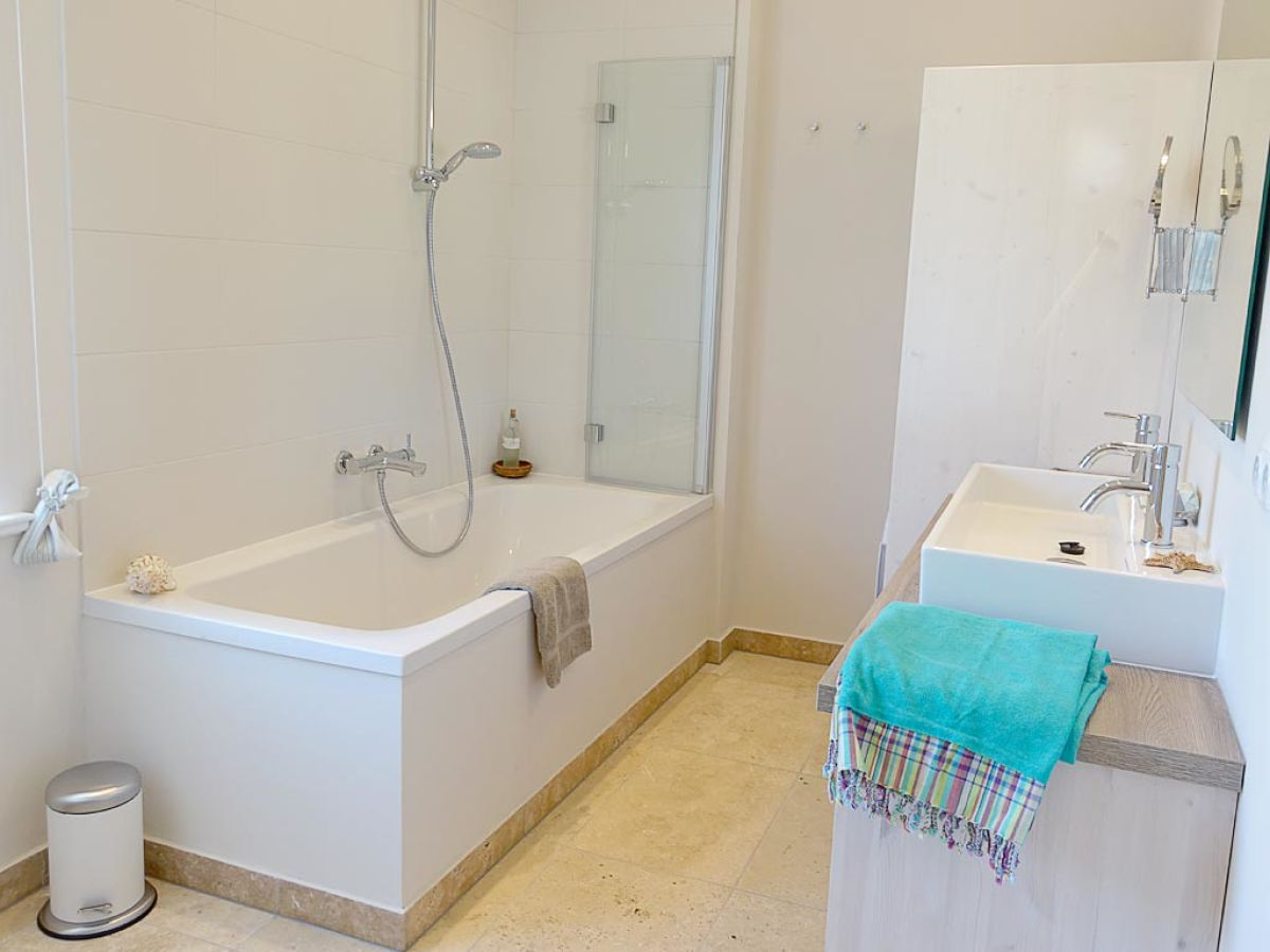 ferienwohnung backhaus gut buckhagen angeln in rabel an. Black Bedroom Furniture Sets. Home Design Ideas
