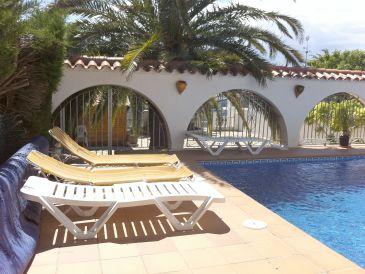 Ferienhaus Paradies 170 am Kanal mit Pool und Turm