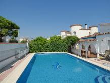 Ferienhaus Paradies 40 mit Privat-Pool und Garten