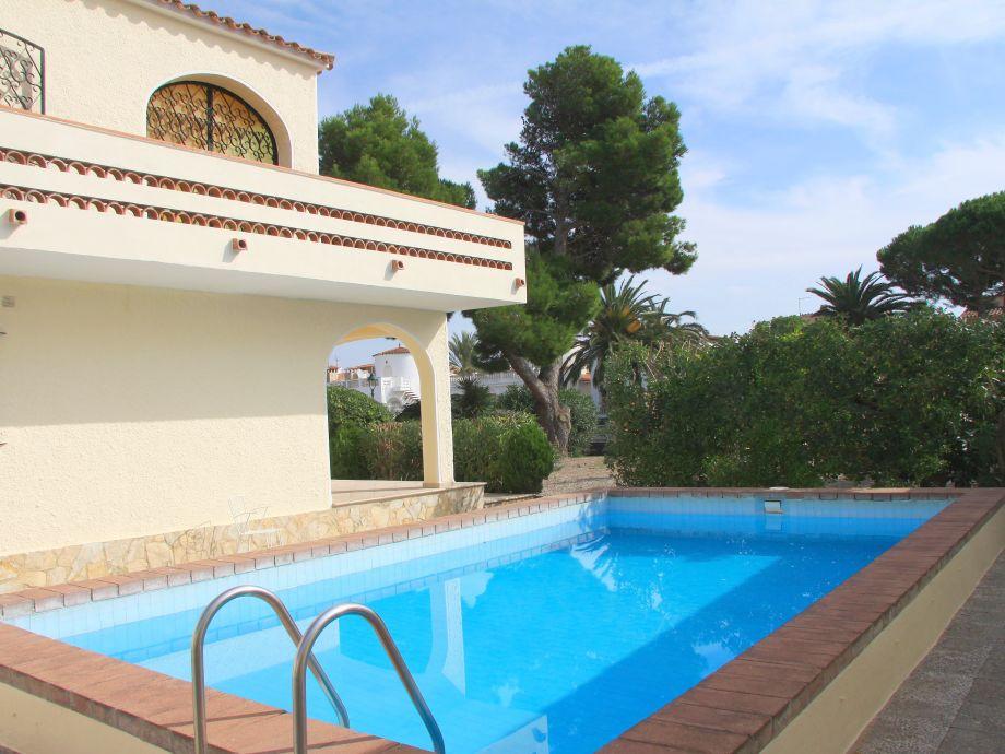 Pool für die 3 Ferienwohnungen