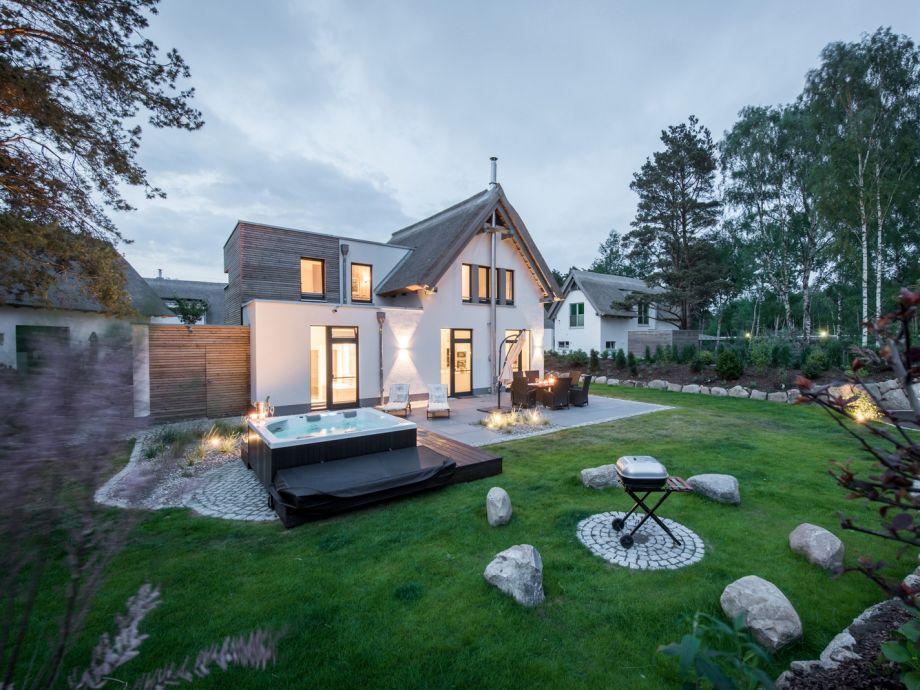 Ferienhaus im kapitansweg 12 luxusurlaub in karlshagen for Whirlpool garten mit sanierung von balkonen