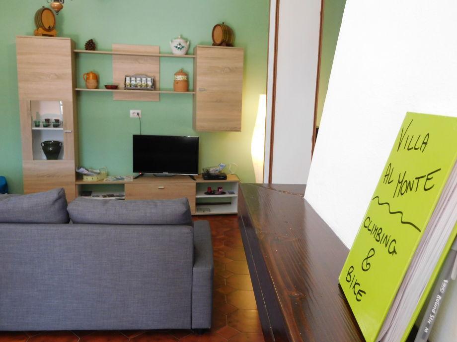 Wohn-Esszimmer mit Schlafcouch 200X140