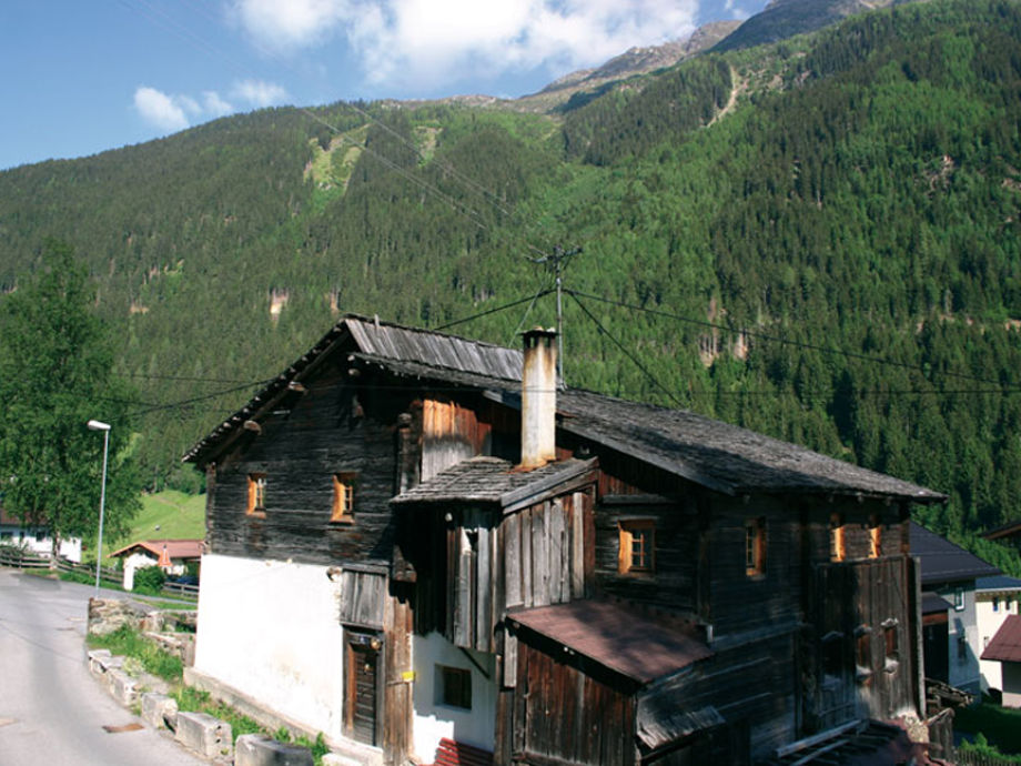 Die Berghütte im Sommer