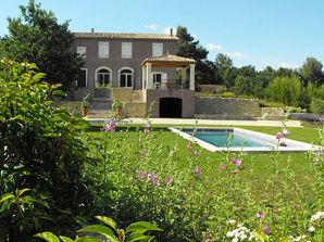 Ferienhaus bei Aix-en-Provence mit Pool