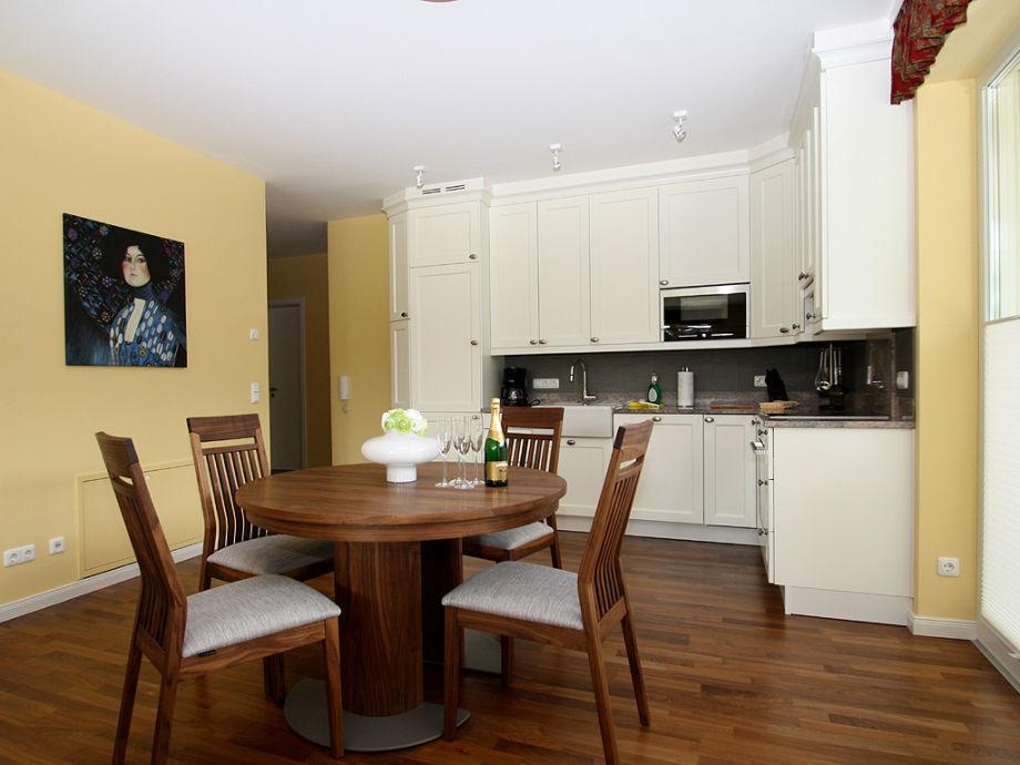 ferienwohnung verena oberbayern garmisch partenkirchen firma ferienwohnungen und. Black Bedroom Furniture Sets. Home Design Ideas
