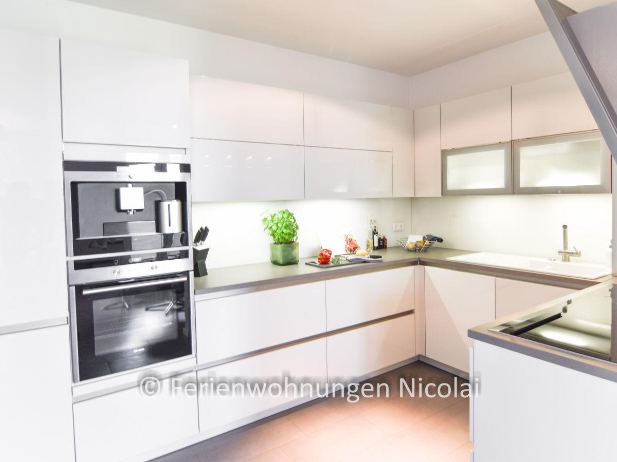 ferienwohnung deichresidenz stein bei laboe firma ferienwohnungen nicolai familie gabriele. Black Bedroom Furniture Sets. Home Design Ideas