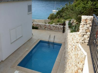 New pool, 50 m from sea