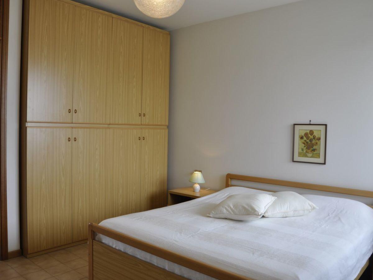 ferienwohnung il lauro 6p gardasee lazise firma. Black Bedroom Furniture Sets. Home Design Ideas