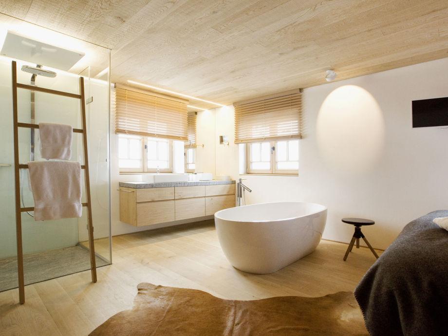 Dusche, Toilette im Hotelstil