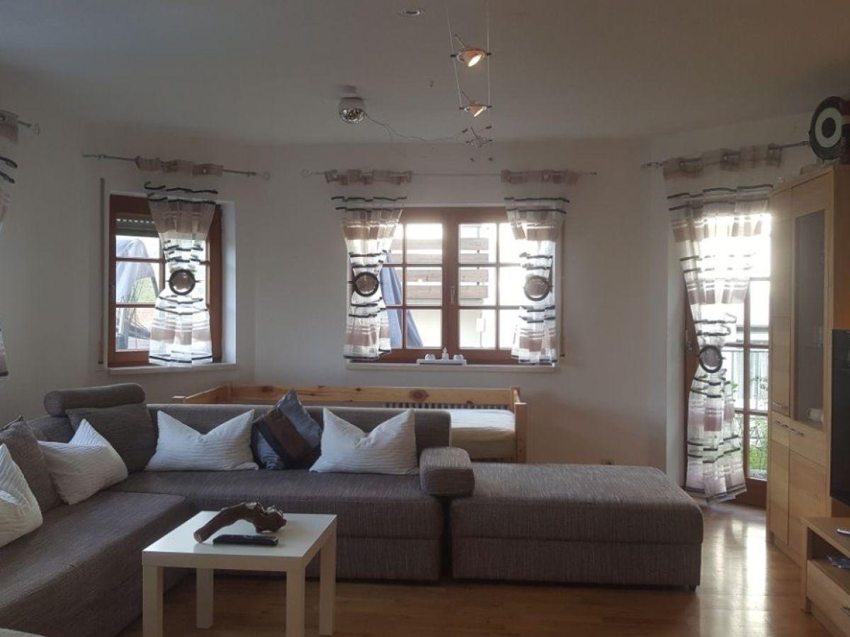 Ferienwohnung deluxe2 apartment 105 m lahr im schwarzwald herr andreas metzger - Wohnzimmer couch xxl ...
