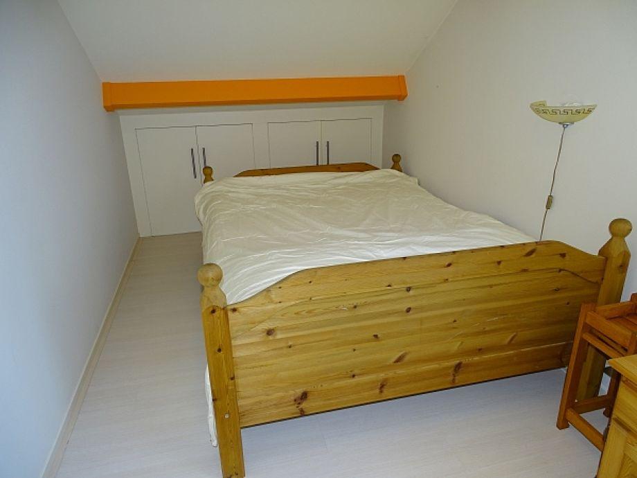 schlafzimmer unter der schr ge inspiration f r die gestaltung der besten r ume. Black Bedroom Furniture Sets. Home Design Ideas
