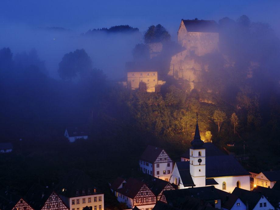Burgblick von der Ferienwohnung  bei Nacht