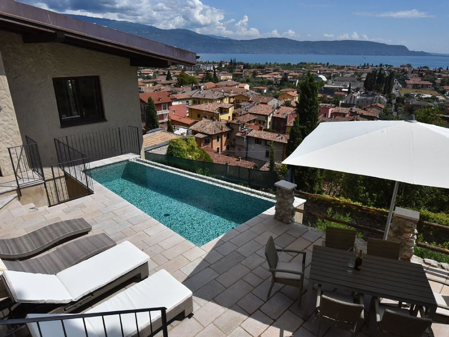 Terrace with pool and Lake Garda view