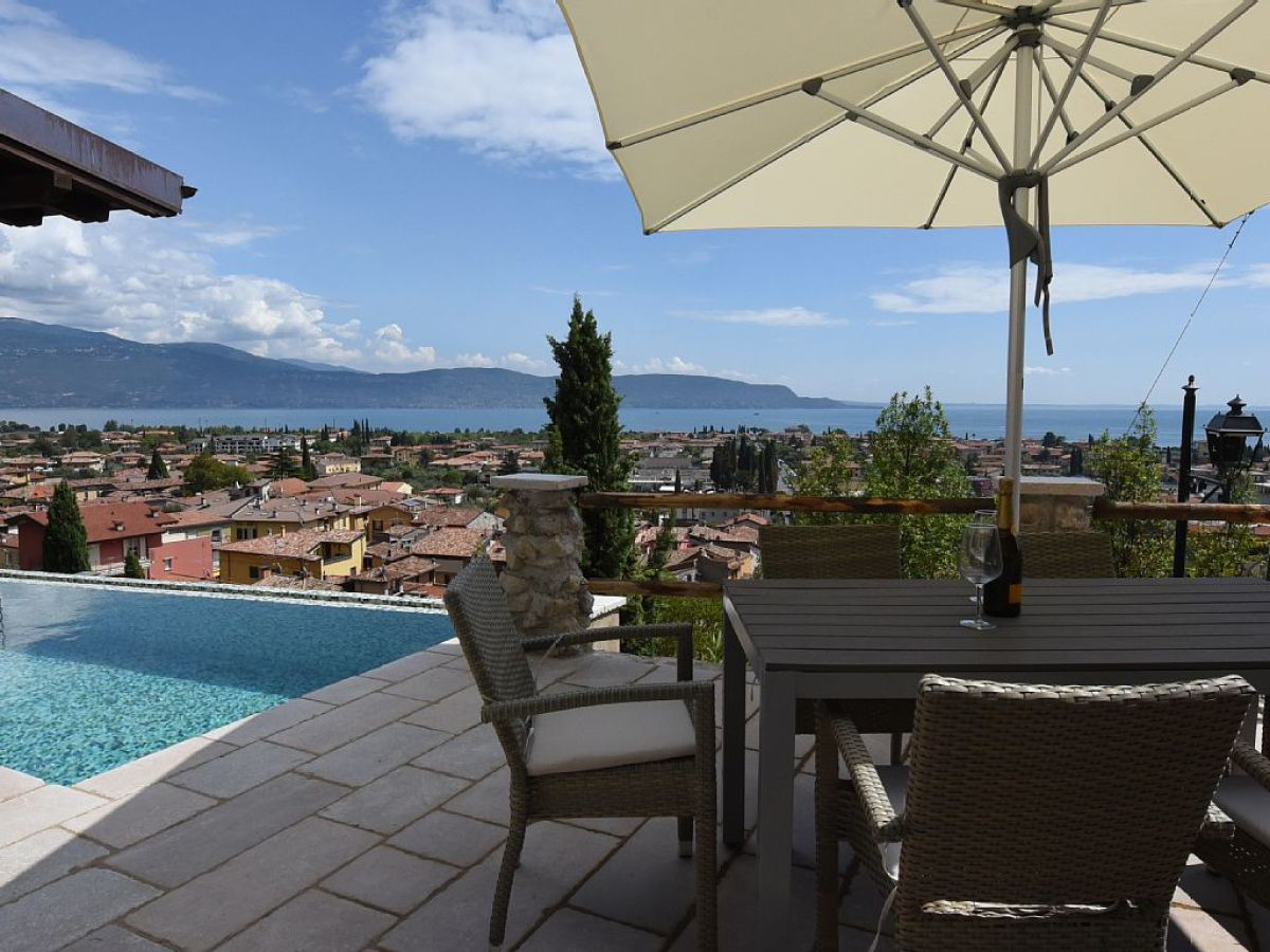 Holiday house exclusive villa with private pool and sea for The terrace top date