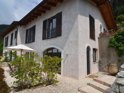 Gemütliche Dachgeschossferienwohnung mit Gardasee-Blick