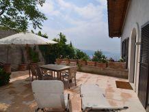 Ferienwohnung Gemütliche Dachgeschossferienwohnung mit Gardasee-Blick