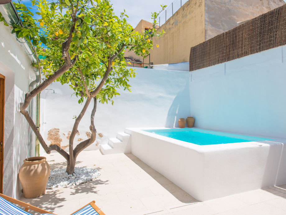 Wunderschöner Pool im Außenbereich