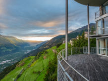 Chalet Exklusives Turm-Chalet mit Bergpanorama und Indoorpool