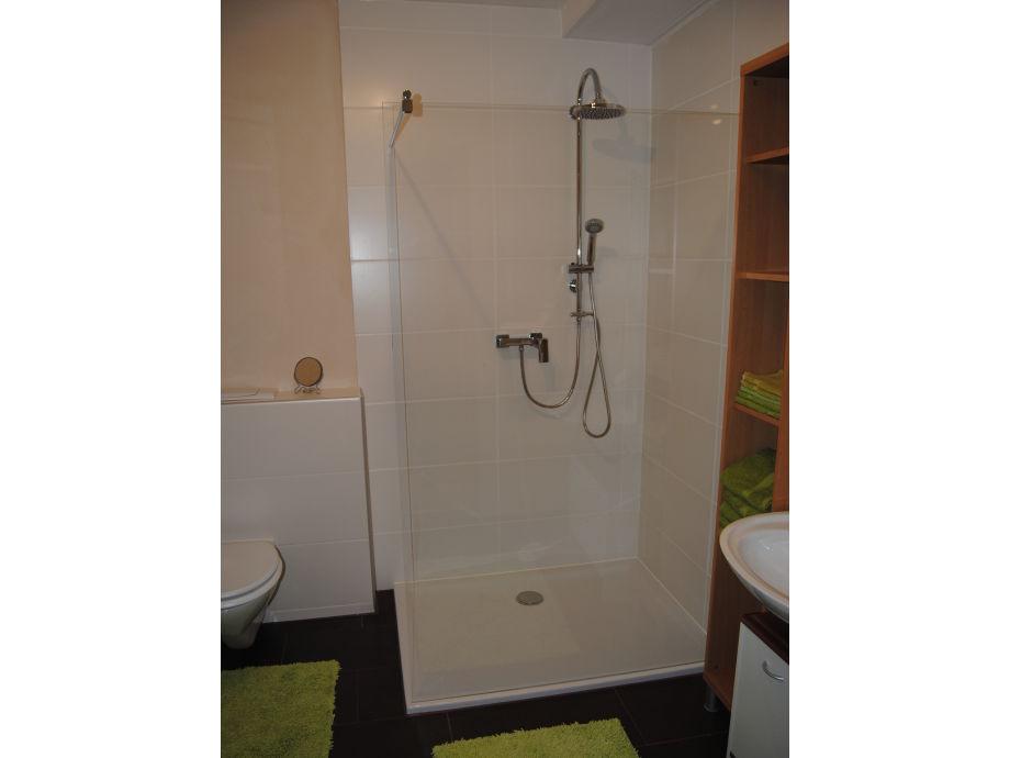 traum duschen armaturen raum und m beldesign inspiration. Black Bedroom Furniture Sets. Home Design Ideas
