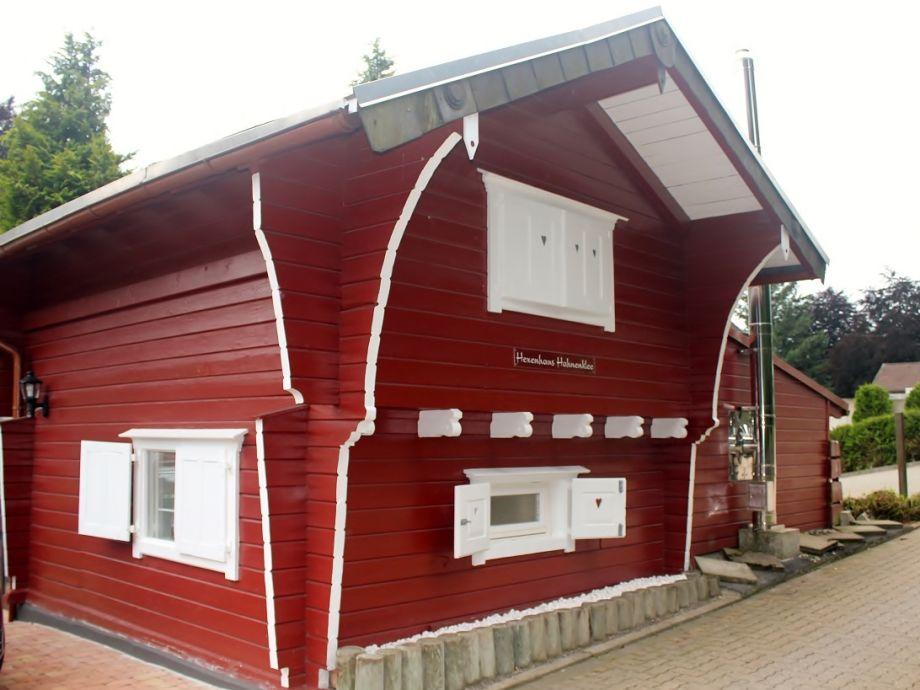 Hexenhaus im Sommer