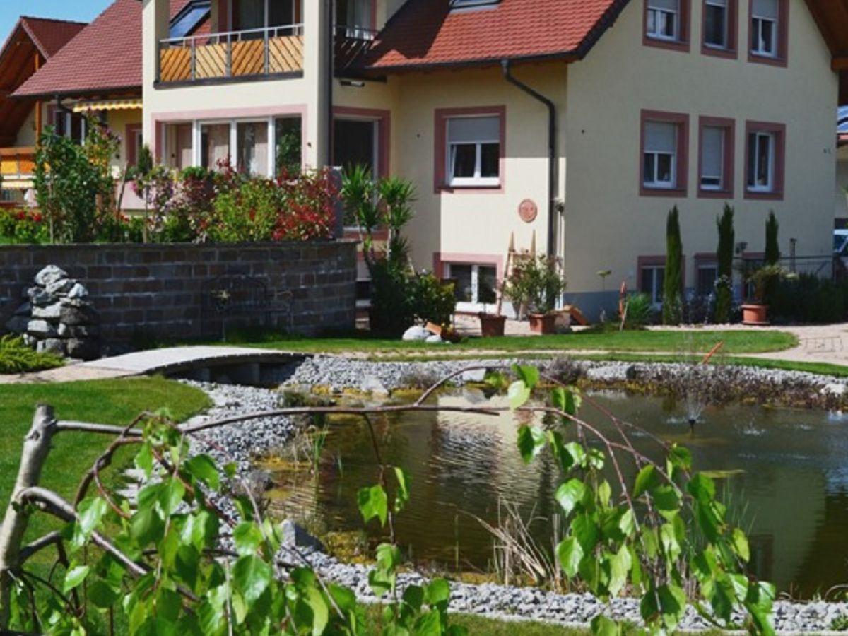 ferienwohnung brunnenhof gartenblick kaiserstuhl firma. Black Bedroom Furniture Sets. Home Design Ideas