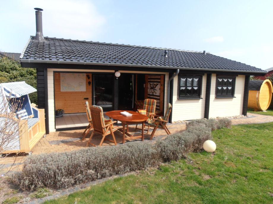 Ferienhaus Wikinger mit Fass-Sauna in Hohenfelde