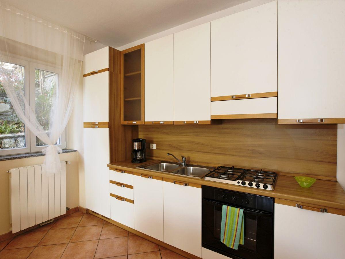 Küchenzeile Gasherd ~ ferienwohnung bella casa alla spiaggia nr 2, tronzano lago maggiore ostufer firma lago