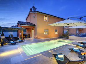 Villa 294